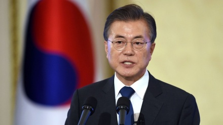 South Korea's Moon appoints top aides, all advocates of inter-Korean rapprochement